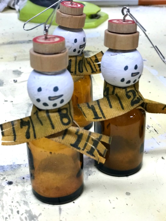 DIY Bottle Snowman Christmas Ornaments