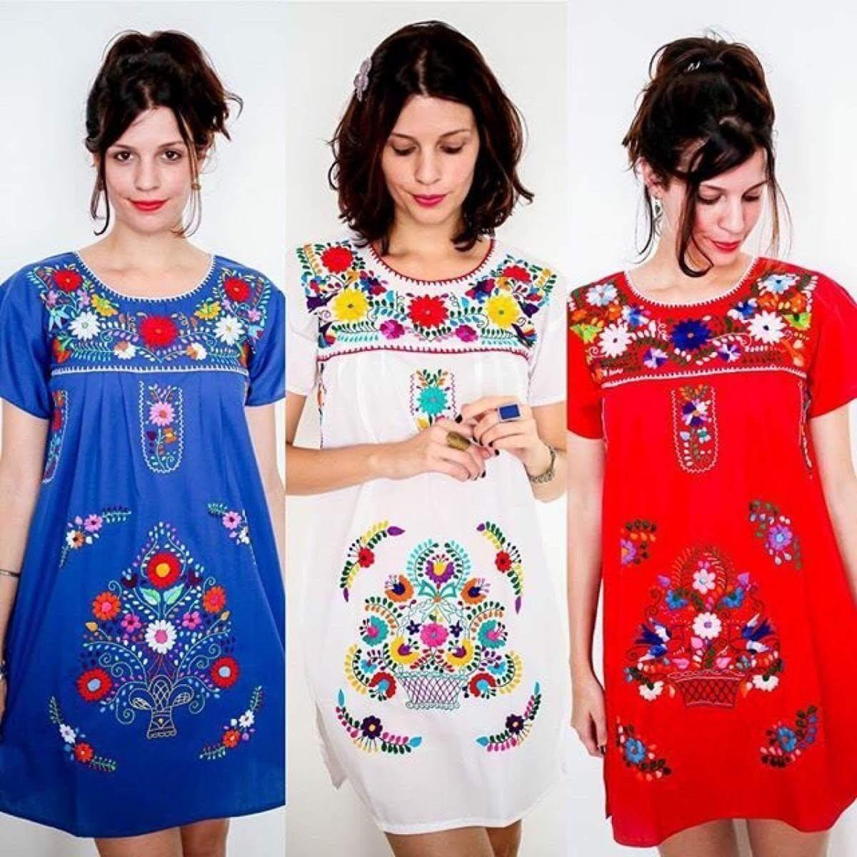 51baf9f61 Los vestidos de folklore mexicano se utilizan por los bailarines  folclóricos tradicionales y son muy elegantes en su aspecto general.