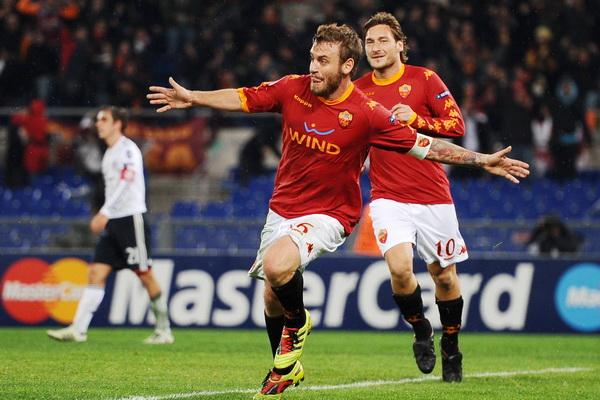 Daniele De Rossi Kapten Roma