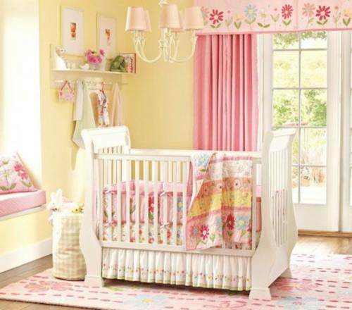 Baby Nursery Decorating Checklist: HABITACIÓN DE BEBÉ EN ROSA Y AMARILLO