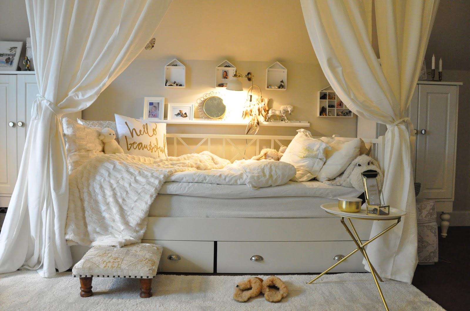 Den vita drömgården: sovrummen