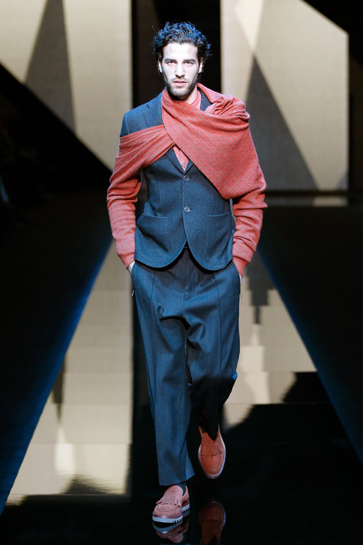 Moda glamour italia milano moda uomo giorgio armani a for Giorgio iv milano
