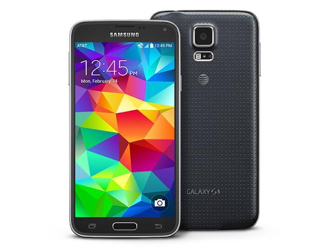 Esplode la batteria di un cellulare nel salotto di casa. ll Samsung S5 era in carica quando ha preso fuoco