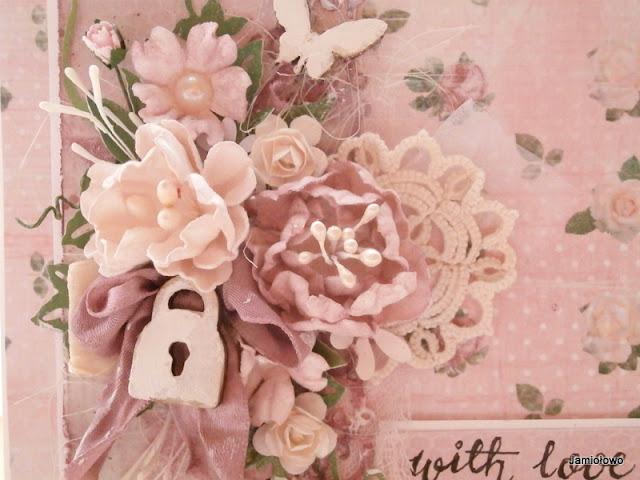 kompozycja kwiatowa z kwiatów ręcznie robionych