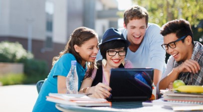 The Internet Lifestyle For College Students - Make Money Online