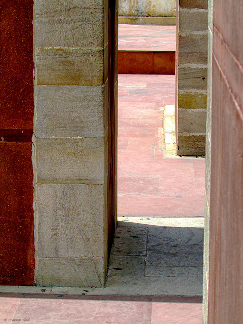 Minimalist Photo of Vertical Lines at Jantar Mantar, Jaipur.