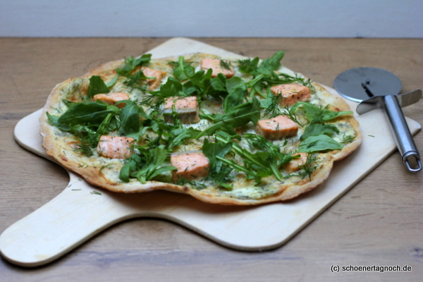 lachs flammkuchen mit dill und rucola sch ner tag noch food blog mit leckeren rezepten f r. Black Bedroom Furniture Sets. Home Design Ideas