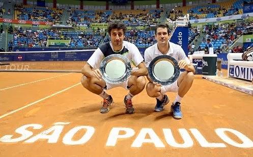 Na final de duplas o espanhol (para não fugir a tradição) Guillermo Garcia  Lopez e o austríaco Phillipp Oswald levaram a melhor para cima dos  colombianos ... 03fe8b00ba048