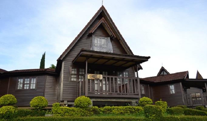 Sewa Villa Di Kampung Adrin Ciwidey Bandung