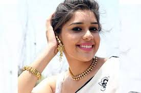 Eisha Singh Family Husband Son Daughter Father Mother Age Height Biography Profile Wedding Photos