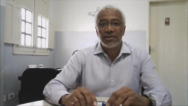 Secretário de educação pede exoneração do cargo