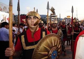 """Αισιόδοξος ο Νίμιτς, ενώ βουλευτής του ΣΥΡΙΖΑ """"βλέπει"""" πόλεμο εάν δεν συμφωνήσουμε με τα Σκόπια!"""