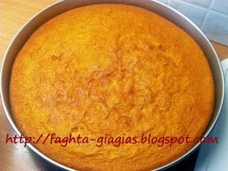 Αφράτο κέικ με σιμιγδάλι - από «Τα φαγητά της γιαγιάς»