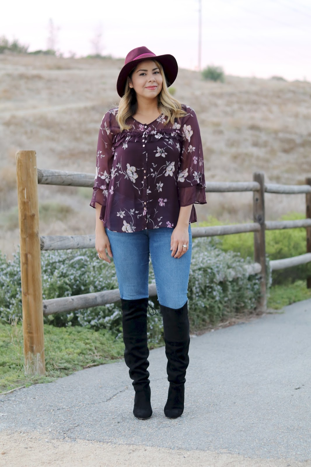 pop of pink flowers, mexican fashion blogger, cute fall outfit idea for moms