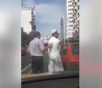 شاهد بالفيديو  مول  طاكسي  اشنودار في  طريق