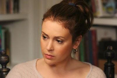 Alyssa Milano es Savannah Davis en Mistresses
