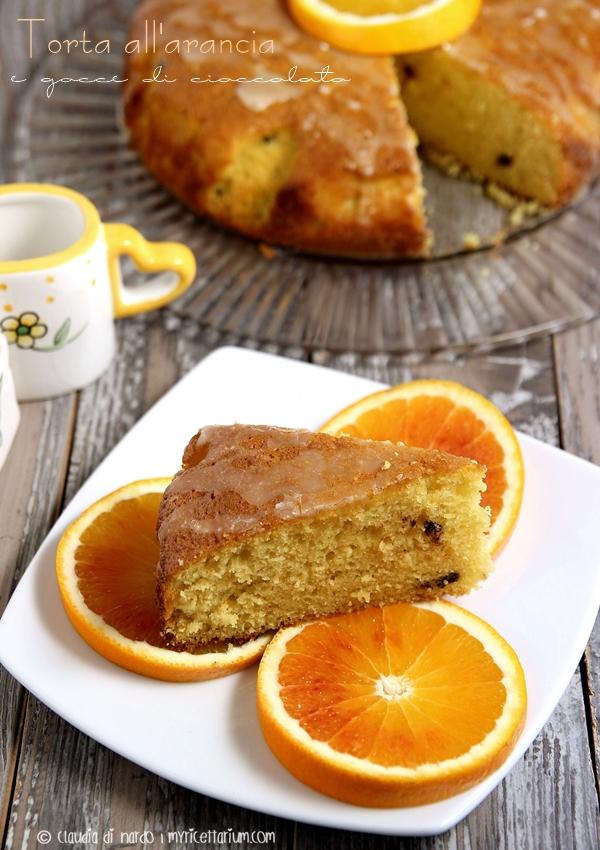 Torta all'arancia frullata e gocce di cioccolato
