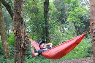 Gaya foto  di hammock