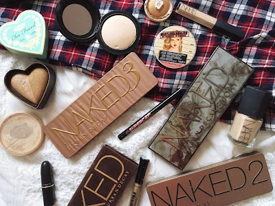 Blogmas Day 23: Christmas Day Makeup Essentials