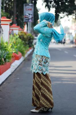 model kebaya tradisional berhijab