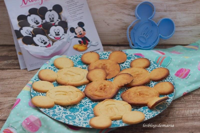 Galletas infantiles con cortador de cara Mickey