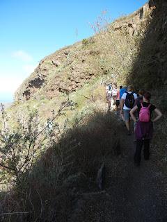 Excursionistas subiendo al Parque Garajonay, La Gomera