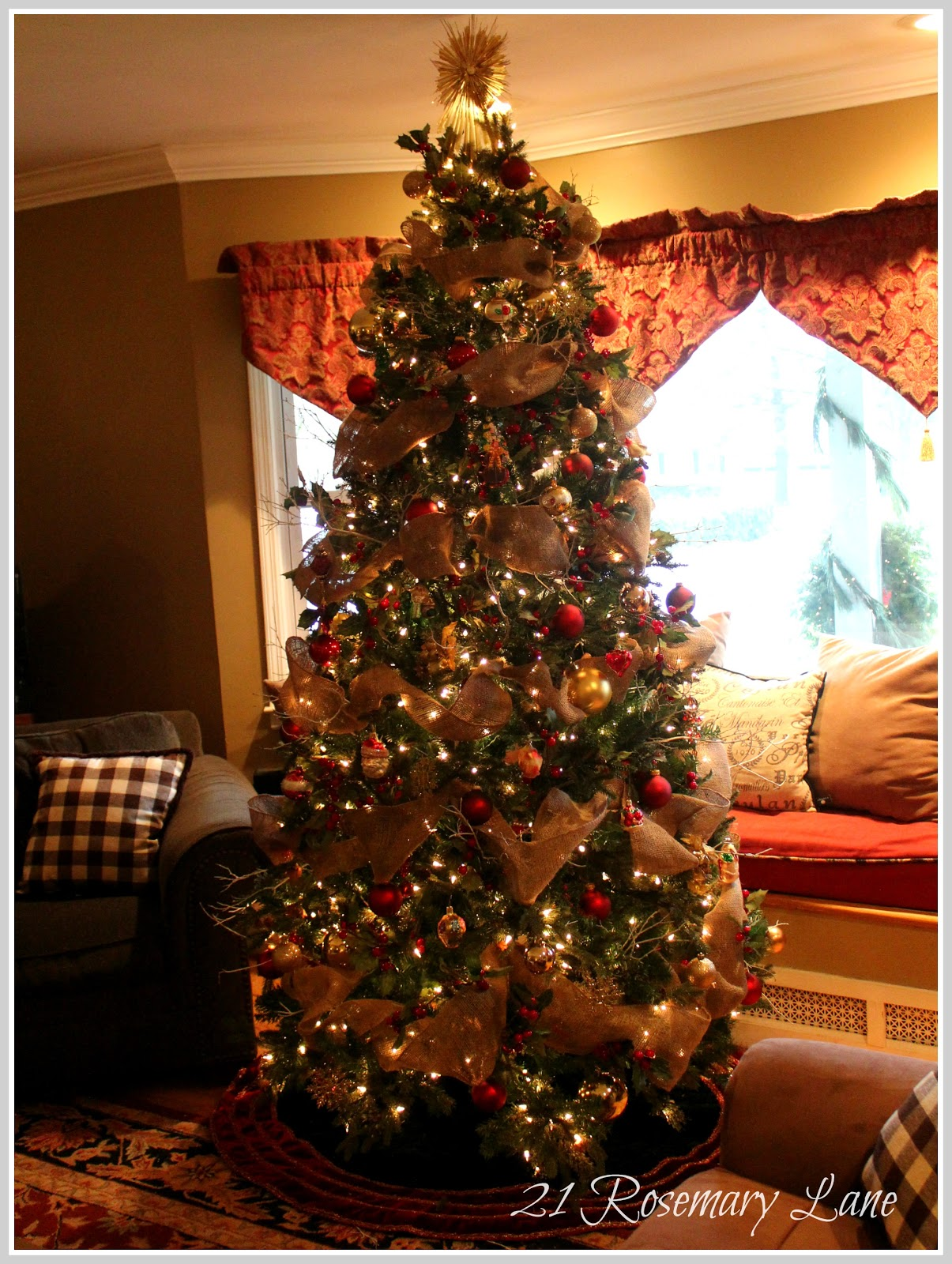 21 Rosemary Lane: Presenting Our 2012 Christmas Tree