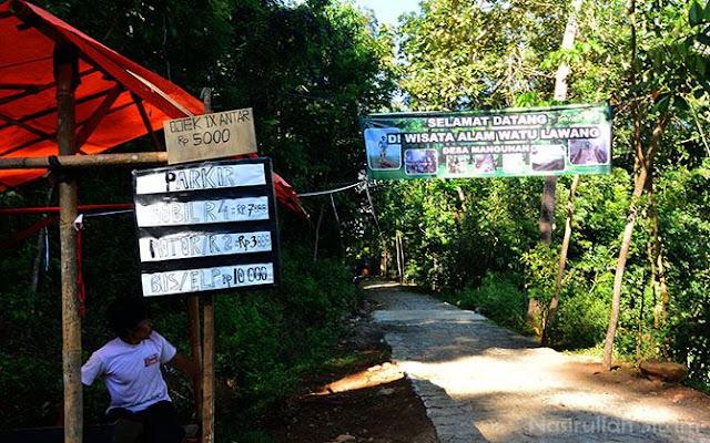 Gerbang Wisata Alam Watu Lawang, Mangunan
