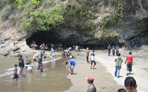 Pantai Karangbolong Kebumen
