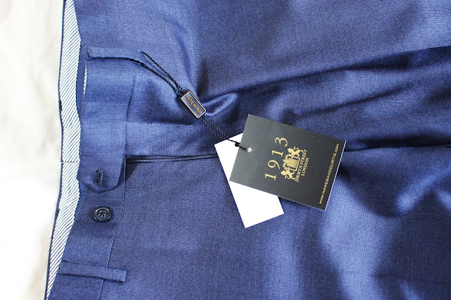 cream blouse red ribbons hawed curtis, Hawes & Curtis blog, Hawes & Curtis blog review, Hawes & Curtis blogger, Hawes & Curtis review, Hawes & Curtis shirts, hawes curtis suit review
