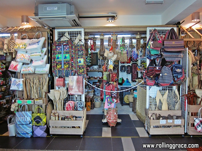 Where To Get Cheap Souvenirs In sarawak