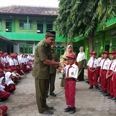 Siswa Berprestasi di Madrasah Ibtidaiyah Jawa Tengah