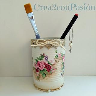 Reciclaje-latas-decopage-shabby-chic-vintage-Crea2-con-pasión-lata-flores-resultado-final