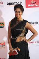 Sindhu looks fabulous in Black Saree designer choli at Mirchi Music Awards South 2017 ~  Exclusive Celebrities Galleries 039.JPG