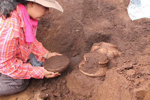 2,500 year old burials unearthed in Quelepa, El Salvador