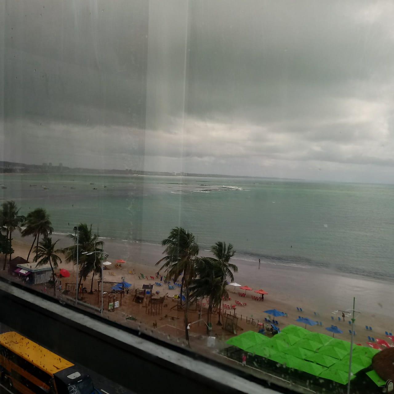 Praia de Ponta Verde vista pelo elevador panorâmico do Hotel