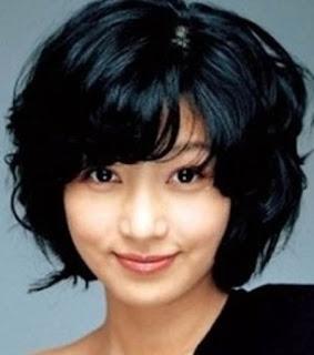 Rambut Ikal Pendek alaWanita Korea