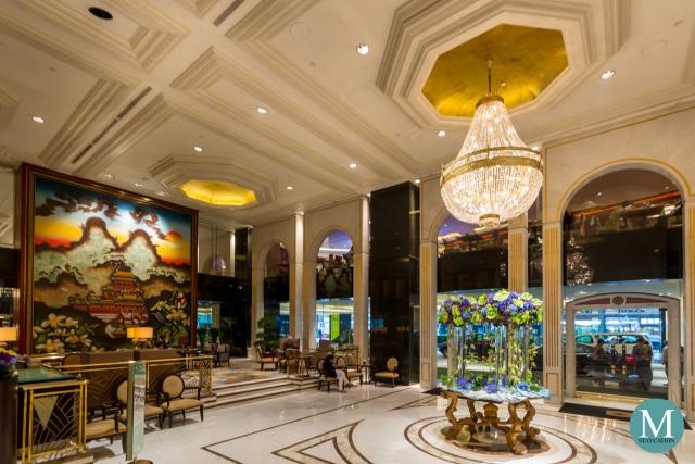 Lobby of Kowloon Shangri-La, Hong Kong