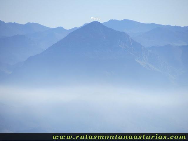 Ruta Pienzu por Mirador Fito y Biescona: Vista del Pierzu desde el Pienzu