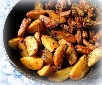 Garlic Steak Bites & Potatoes