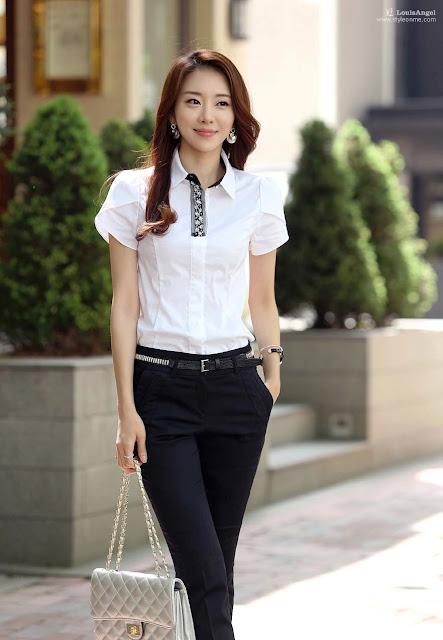 Model Kemeja Putih Wanita Kasual Terbaru