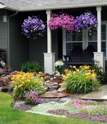 Jika kita membahas mengenai taman rumah Desain Taman Kecil Depan Rumah