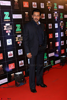 Salman Khan in Stunning Black Suit at Zee Cine Awards 2017