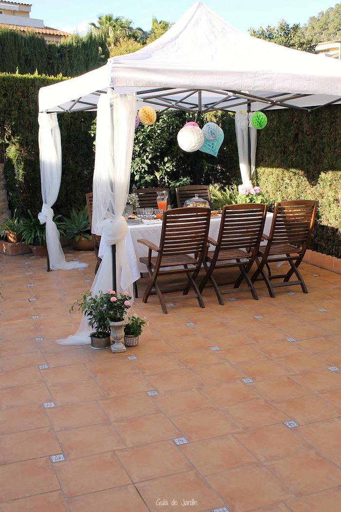 C mo decorar una carpa para una fiesta al aire libre for Carpas para jardin
