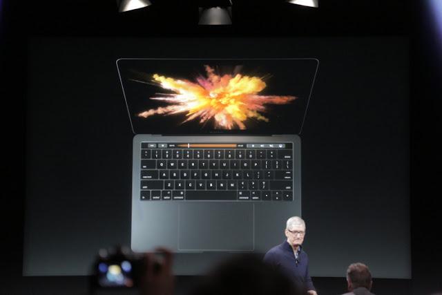 O novo MacBook Pro é mais fino e mais leve que a geração anterior e vem em modelos de 13 polegadas e 15 polegadas