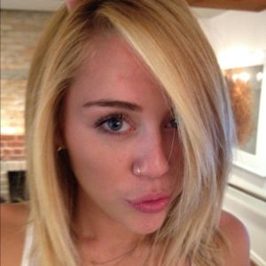 Josie's Juice: Miley Cyrus: platinum blonde hair ...