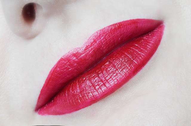 Avon mark.  Lipstick  Heartbreaker