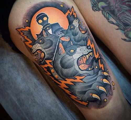 erkek üst bacak dövme modelleri man thigh tattoos 23