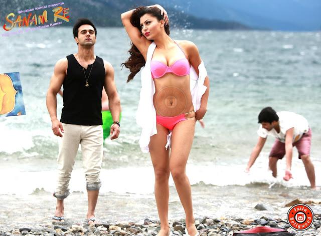 Urvashi Rautela Images, Hot Photos & HD Wallpapers