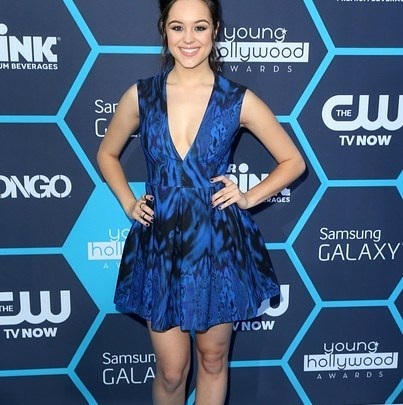 Hayley Orrantia Latest Hot Photos